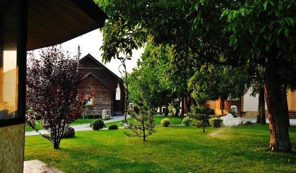 gala-hotel-kamyanets-podilsky-parkland